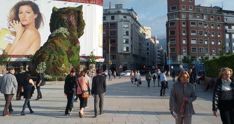 gente-calles-de-bilbao.jpg
