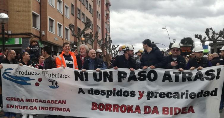 Apoyamos la manifestación en defensa de los puestos de trabajo en Productos Tubulares